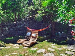 Villa Avarizia with lake view and garden over Verbania