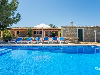 Villa Moronera. Countryside location. Pretty Pool and BBQ zone. Free car!