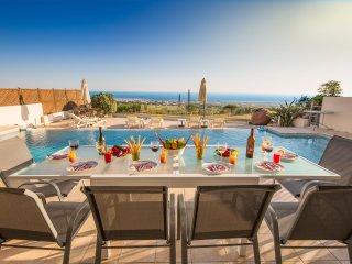 Villa Agia Sofia -Strikingly Modern 4 Bed Villa with Heated Pool & Amazing Views