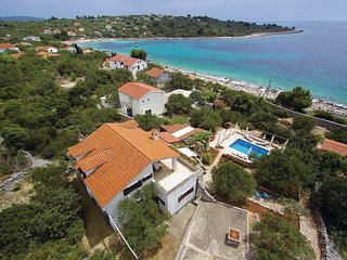 Charming villa with private pool and amazing view