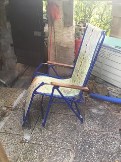 Up right beach chair