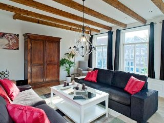 Luxury Apartment with Canal View