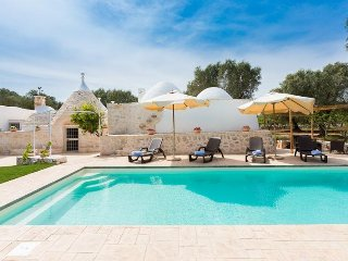 Trullo delle Rondini with private pool for up to 10 people