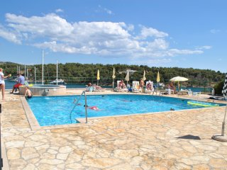 2 Great Swimming Pools & Terraces, Just 100m to Beach, Fabulous Balcony Views