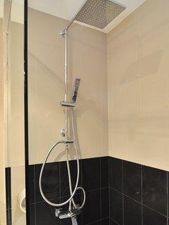 Rain shower with good water pressure