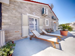 Dalmatino 2 Villa - typical white stone Dalmatian style house with sea view
