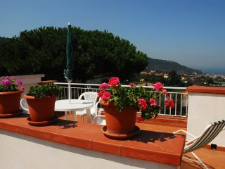 Piano di Sorrento Apartment Sleeps 5 with Air Con and WiFi - 5676672
