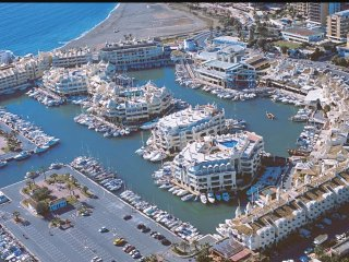 Beach apartment in the Benalmádena Port. With WiFi. opcion parking