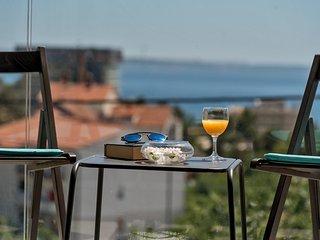 Villa Kozina - Luxury apartment 2 with the sea view in Podstrana, Split