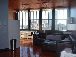 715 — BIG Tier — Derby City Urban Bourbon Loft Great View