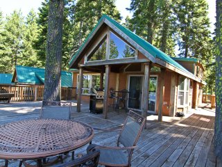 (#44) Cabin at Hyatt Lake - Sleeps Six - Hot Tub