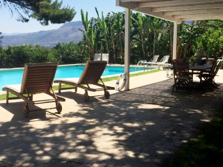 Villa Omero, Paradise Garden and Pool