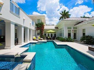 LUXURY RENTALS~ Grand Floridian Beach House~ Beach views, Olde Naples