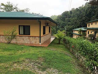 Casa Tranquila - A Cozy Mountain Villa at Osa Mountain Village High Above!
