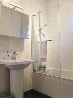 Bathroom 2 with bath