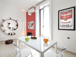 Wide and bright apartment short distance from Isola