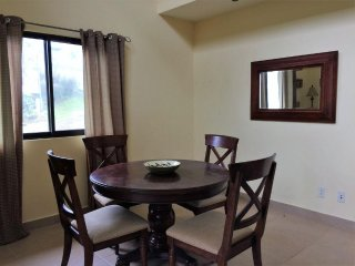 Howlers Haven - Huge 1-bedroom Villa in the Mountains of Southern Costa RIca!