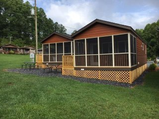 2 Bedroom Cottage in Fort Tatham RV Resort