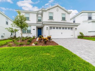 Beautiful New 6BR 6 bath Champions Gate home w/ pool and gameroom from $233nt
