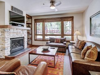 SKI IN / SKI OUT LUXURY JUST WALKING DISTANCE FROM MAIN STREET-RESORT AMENITIES