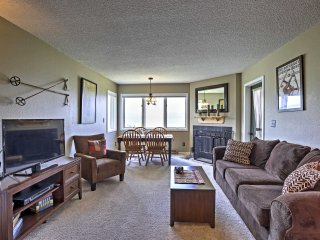 Resort Condo w/Views - Walk to Ski Granby Ranch!