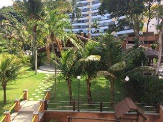 Apartamento em condomínio fechado com praia privada