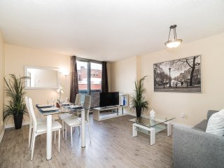 Gorgeous & Peaceful 1BR in Perfect Location!