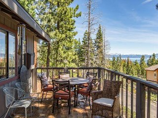 4BR Lake View with Double Decks on Rubicon Bay