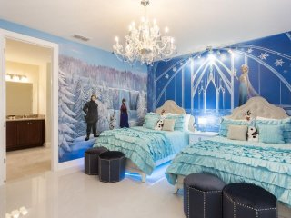 EC145- 7 Bedroom Contemporary Villa