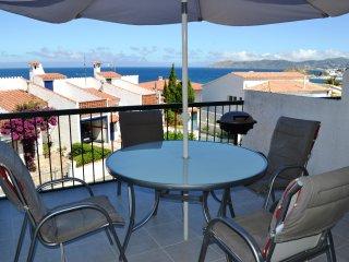 GRIFEU-5 Fantástico apartamento con gran terraza y con vistas al mar.