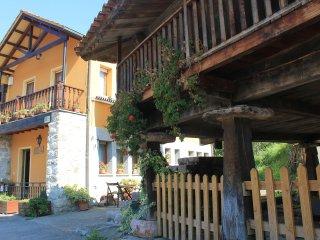 Casa en pueblo asturiano de montana
