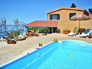 Eco house Kilo-pool, peace & view-BEST PRICE (4.8.-18.8.)