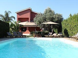 Villa con piscina Siracusa (Arenella)WiFi