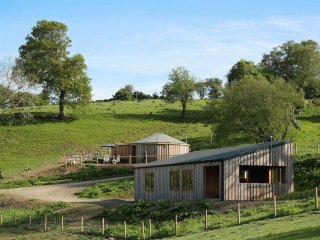 ROLLING HILLS, open plan living, views of Offa's Dyke, unique building, Ref