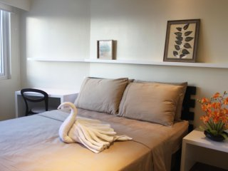 Cozy, Fast Internet, Modern 1 Bedroom (Mall of Asia)