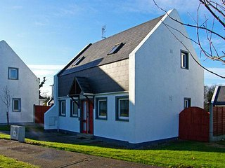 holiday home across road from beech sleeps 5/6