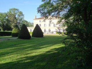 Bienvenue au château de Sugny, chambre d'hôte de charme au cœur de la Loire (42)