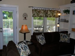 SUMMER DATES AVAILABLE! Pvt Pool Cls to beach,Pets Golf Cart Avail to Rent