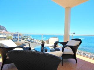 Charming Apartment on Beach