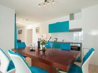 Turquoise  apartment in Villa Drinka
