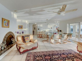 Longboat Key home w/ Ping Pong, a  private dock, and ocean access. Beach nearby!