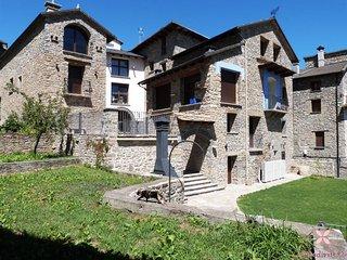 Casa Dieste. Apartamentos rurales en el Pirineo Aragones