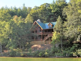 Cane Creek Lodge - Located on Beautiful Lake Nottely