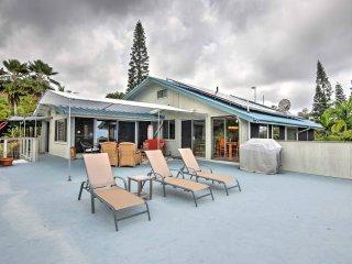 NEW! 2BR Holualoa Farm Home Near Town w/Ocean View!