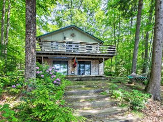 Waterfront Casco Cottage w/Dock on Coffee Pond!
