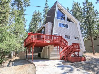 Sky Fox Cabin~Unique Tri-Level Home With Jetted Spa Tub~Double Loft~Great Local~