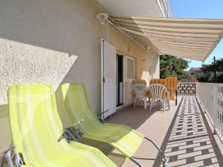 A-2 Excellent peaceful location  apartment yust 200m  to the beach