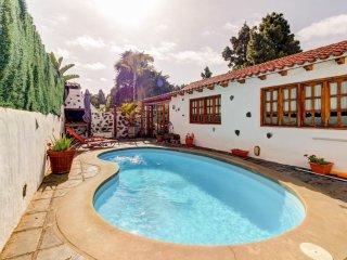 Acogedora casa c/ piscina y vistas! Ref. 198946