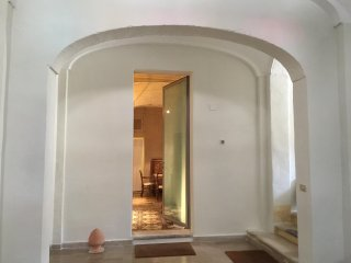 Elegant studio in antique palazzo 5 minutes from beach