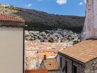 Dubrovnik Sweet House - Superior Double Room with Old Town Roofs View (SOBA 2)